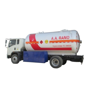 HOWO 5.5m3 (5500 Liters) LPG Bobtail Truck Tanker Mounted with LPG Pump Yqb-5. LPG Dispenser BCS-150 LHD. Rhd